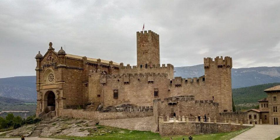 castillo-javier.jpg