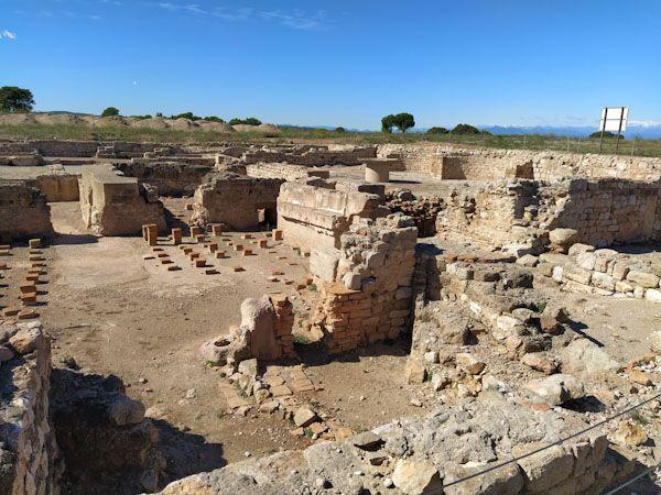 Todo-lo-que-necesitas-saber-antes-de-visitar-las-ruinas-de-Empúries.jpg